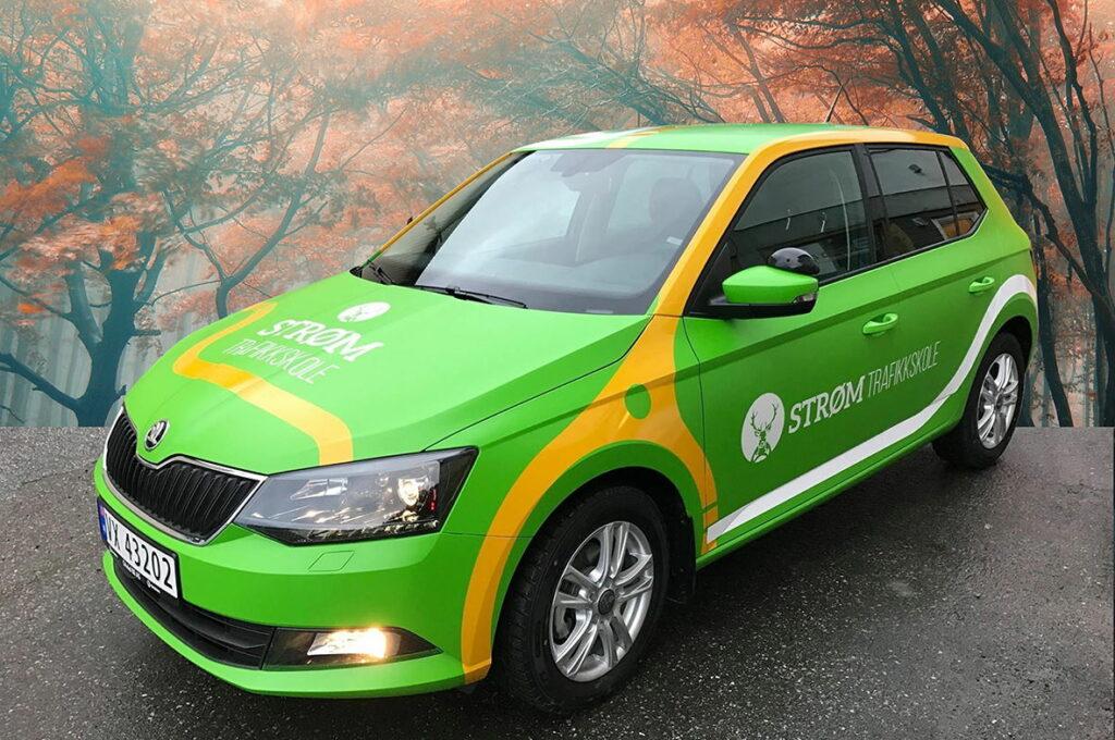 Foliert personbil for Strøm Trafikkskole